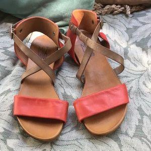 Awesome Miz Mooz two toned leather sandals